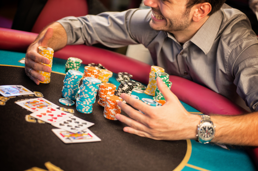 How To Choose The Perfect Poker Table in Four Steps